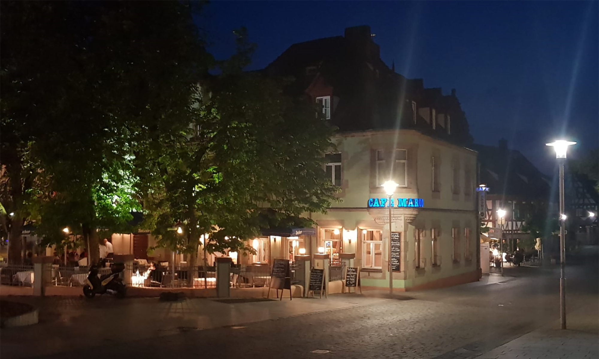 Café, Bar & Restaurant Maroni in Zirndorf